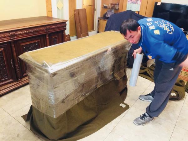 古董傢具搬遷案例-台中搬家推薦