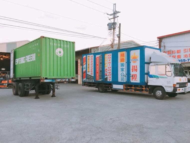 古典家具貨櫃卸貨與搬運服務-台中搬家