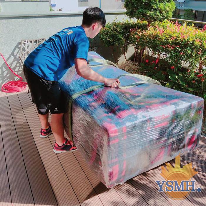 訂製沙發搬運前包裝-台中搬家